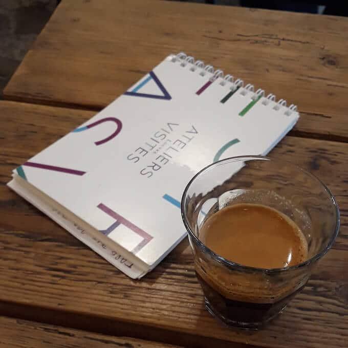 Il caffè espresso di Baguett's Café a Parigi