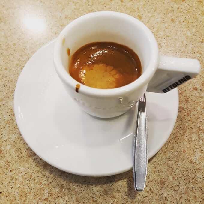 Il caffè del bar Albanese Massimo a Milano