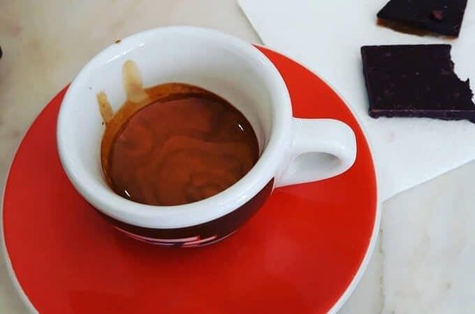 Il caffè della caffetteria Bettina & Niccolò Corallo a Lisbona