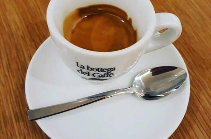 il caffè del bar La Bottega del Caffè nel centro commerciale Il Globo di Busnago