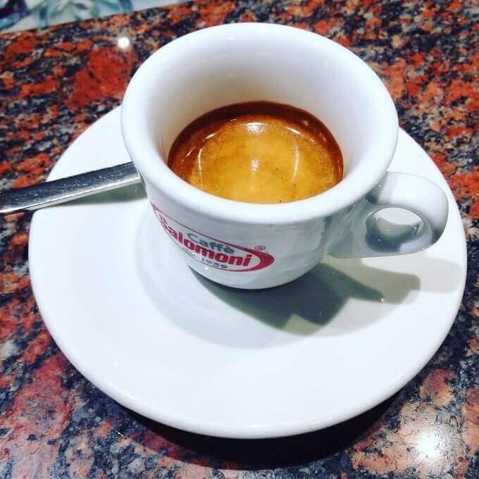Il caffè del bar La Bottega del Caffè a Mantova