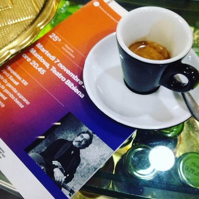 il caffè del Caffè Bibiena a Mantova