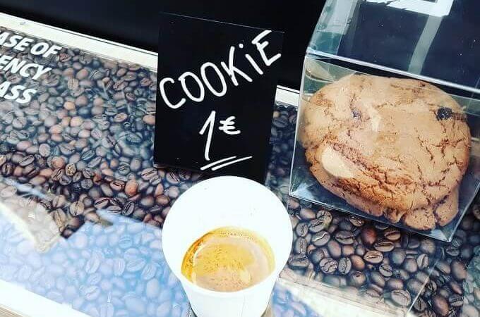 il caffè di Coffeedential Specialty Coffee Van a Lisbona