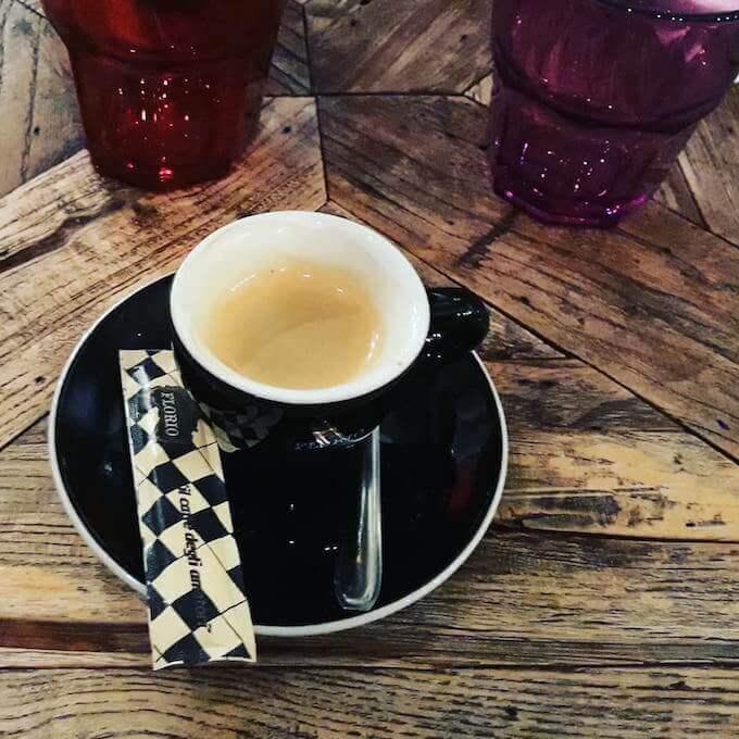 Il caffè espresso della Crêperie SO Krep' a Grenoble, in Francia
