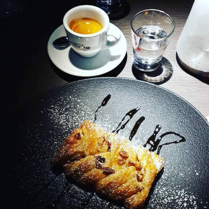 Il caffè di Feel Hostaria Contemporanea a Melzo