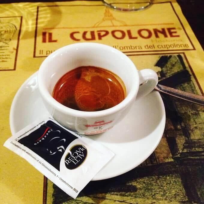 Il caffè dell'Hostaria Il Cupolone a Pavia