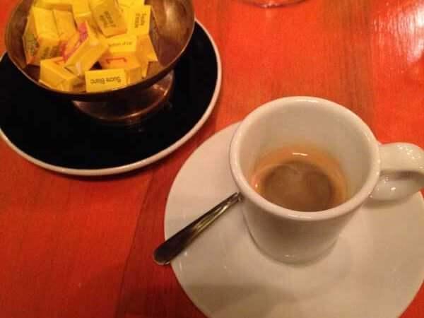 caffè bevuto al ristorante L'Ilot Vache di Parigi