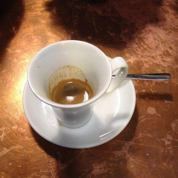 il caffè del Juice Bar in Stazione Centrale a Milano