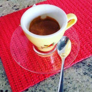il caffè del bar Karma Café a Trezzo sull'Adda