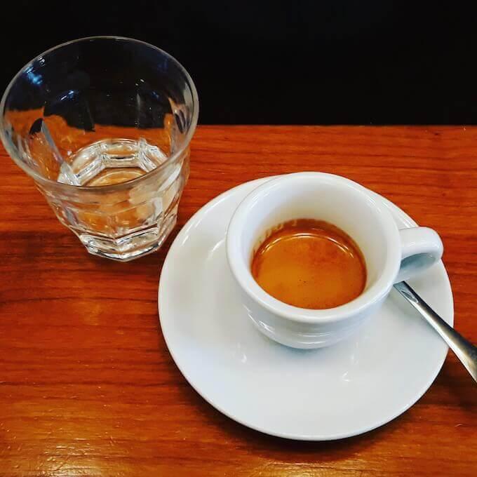 Il caffè espresso di Café Kitsune a Parigi