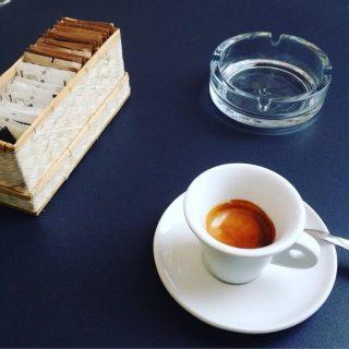 il caffè della Libreria del Mondo Offeso a MIlano
