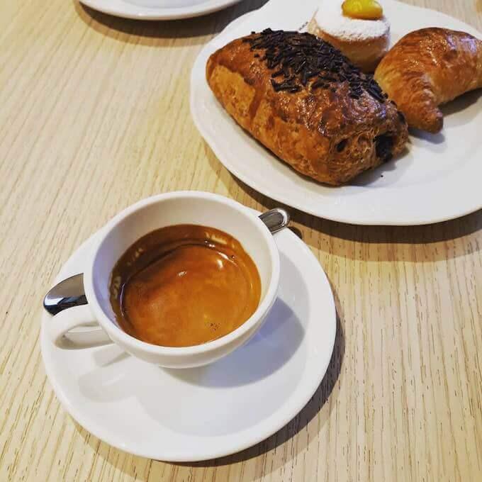 il caffè della pasticceria Magico Forno a Vimercate