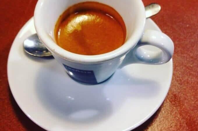 Il caffè del ristorante New Q Beer a Milano
