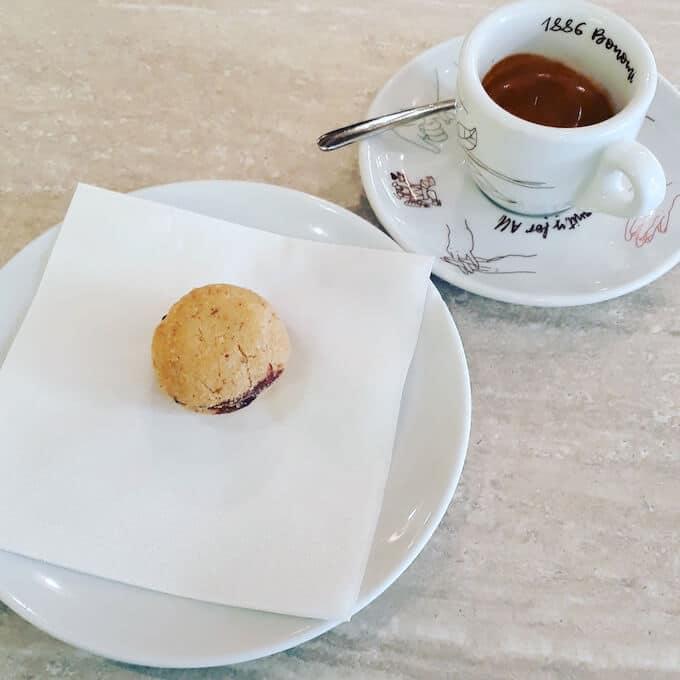 Il caffè espresso di Nui City Jungle Café a Milano
