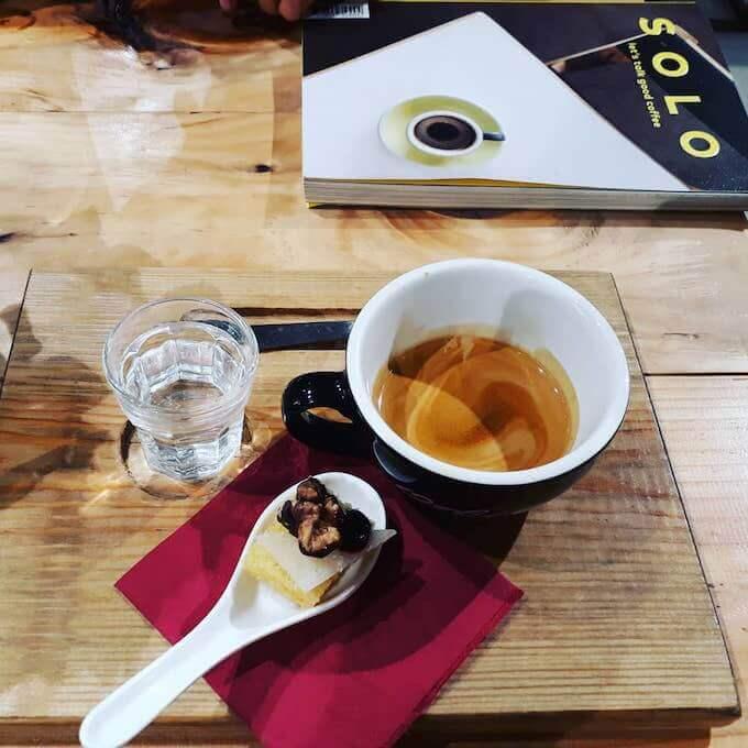 Il caffè della caffetteria Orbea Cycle Coffee a Barcellona