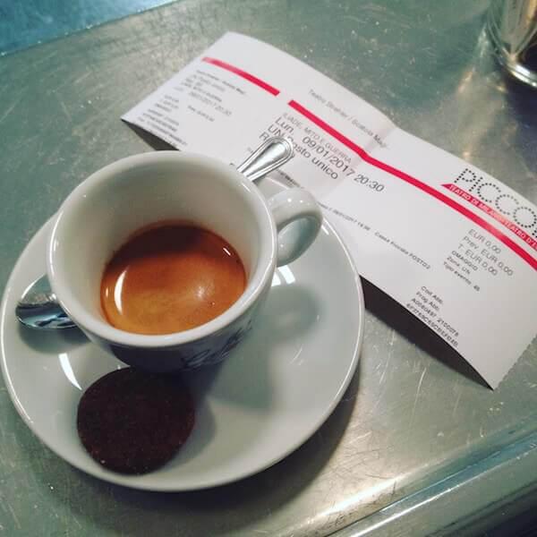 il caffè di Porquoi pas? a Milano