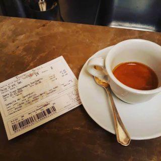 il caffè del bar del Teatro Alla Scala a Milano