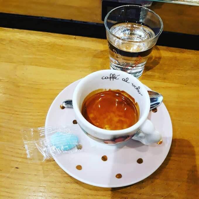 Il caffè del bar Thun Caffè a Milano