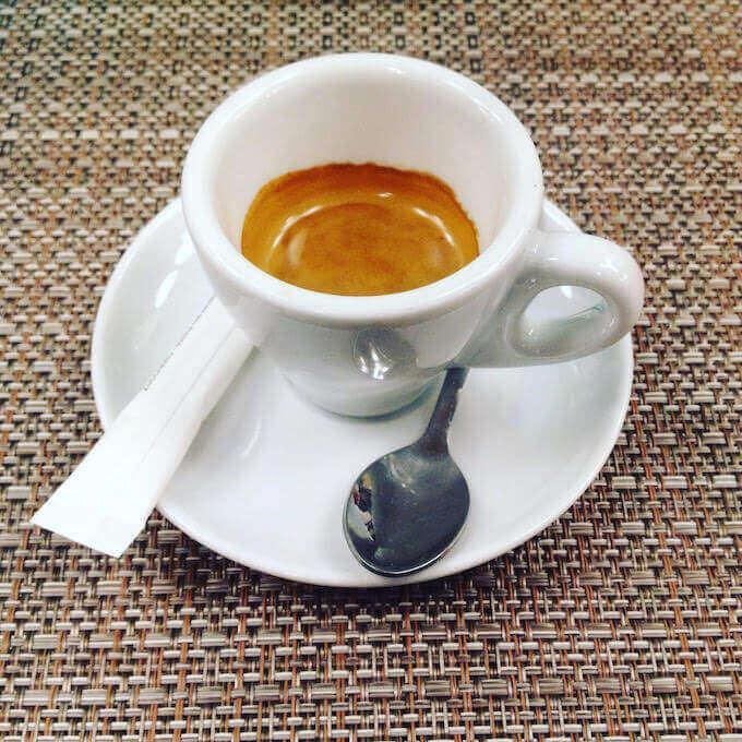 il caffè della pizzeria Tourlé a Inzago