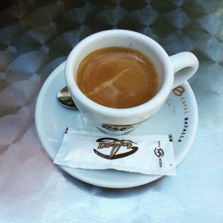 Il caffè di Vincent Pizzeria Cafeteria a Flix, in Catalogna