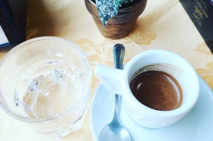 il caffè del Bar 2000 a Milano
