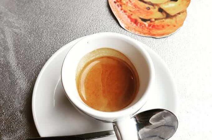 Il caffè del bar Ca'puccino a Milano