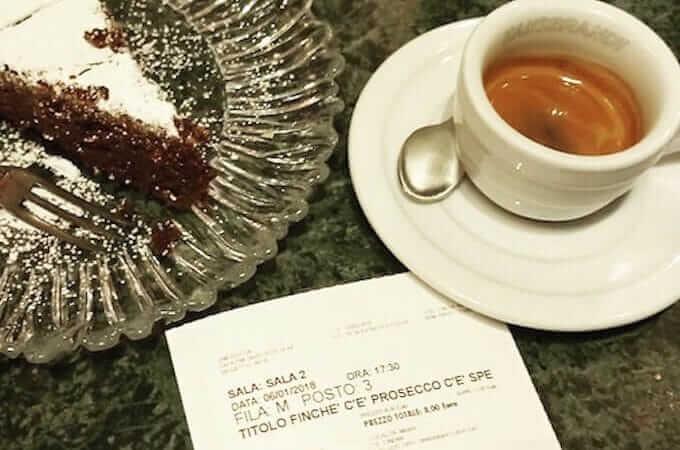 il caffè del bar Equo Caffè a Milano
