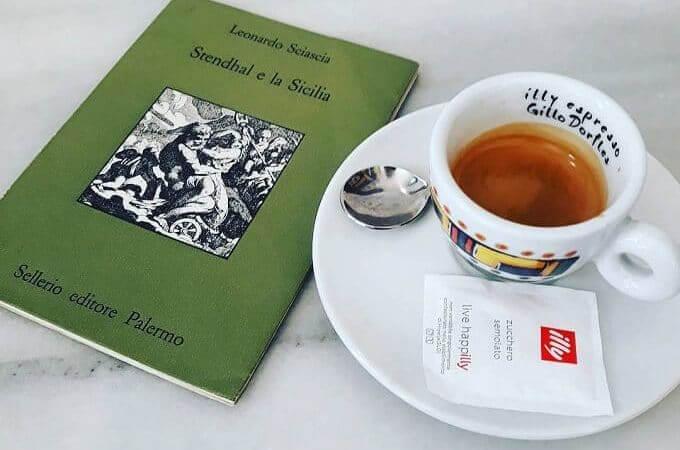 il caffè del ristorante LeccaBaffi a Barcellona