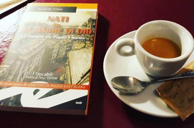 il caffè della Libreria Italiana Le Nuvole a Barcellona