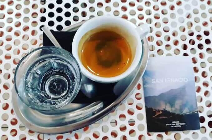 Il caffè di Nomad Every Day a Barcellona