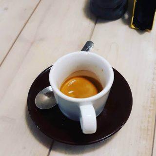 Il caffè espresso del bar Ofelé Caffè & Coccole a Milano