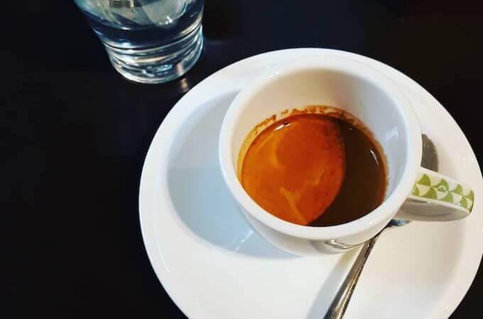 Il caffè della Pasticceria Adolfo Stefanelli a Milano