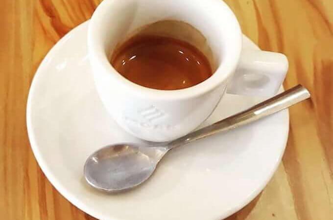 Il caffè del ristorante Slow Sud a Milano