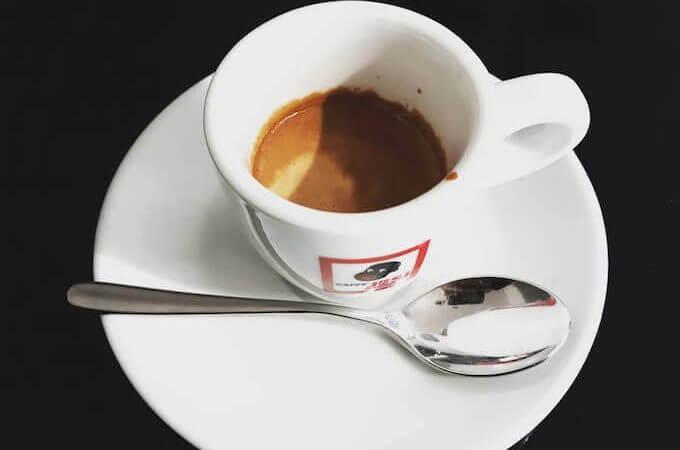 Il caffè del bar Sony & Dany a Monza