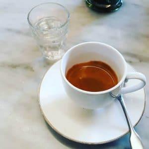Il caffè di Tearose Deli a Monza