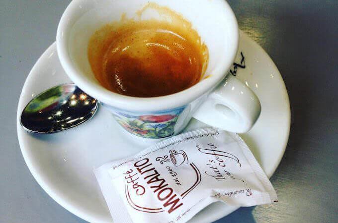 il caffè del bar Zip Café a Treviglio